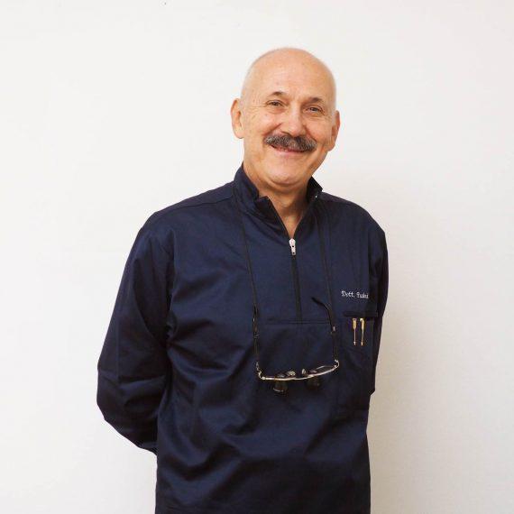 Dott Giovanni Pasini dello Studio Dentistico Pasini Steffan Celant Rosso